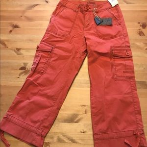 High waisted pink cropped pants